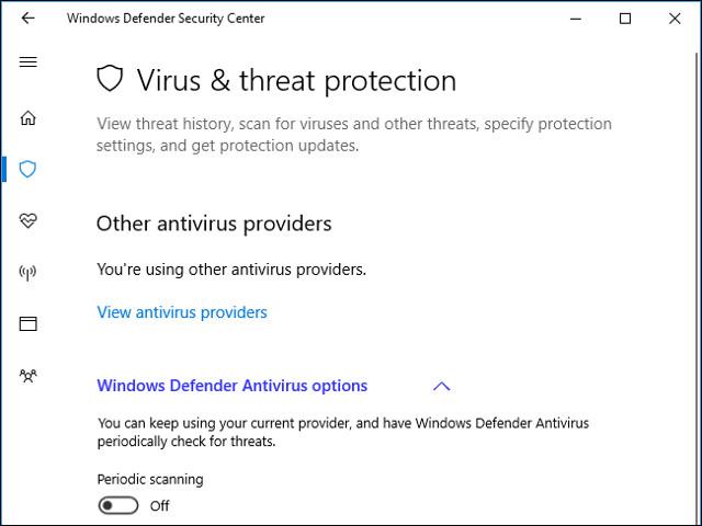 Sử dụng cả hai chương trình diệt virus và Windows Defender